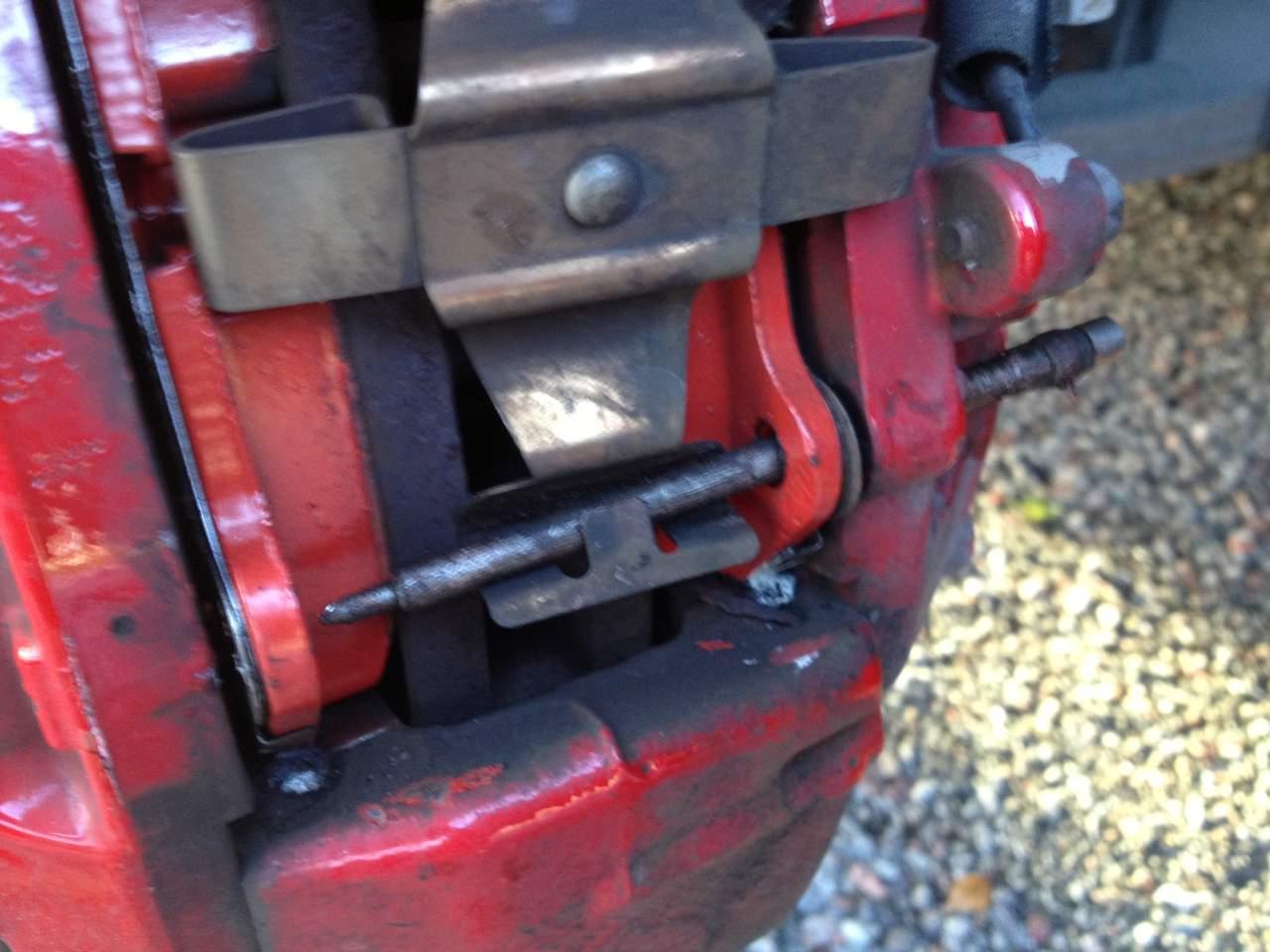 Changing Brake Pads-broms3.jpg