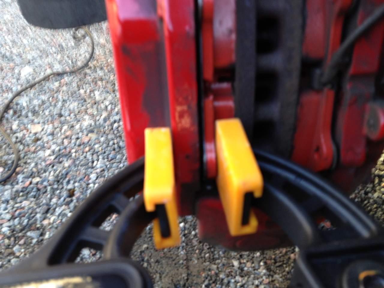 Changing Brake Pads-broms4.jpg