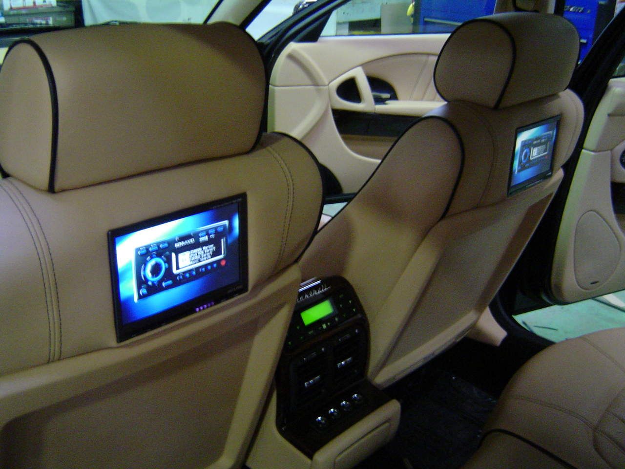 Back seat TV - Maserati Forum