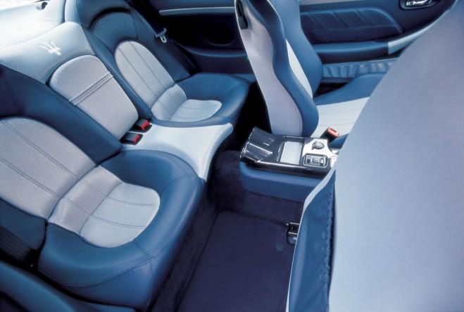 gransport medium blue leather light gray fabric maserati forum. Black Bedroom Furniture Sets. Home Design Ideas